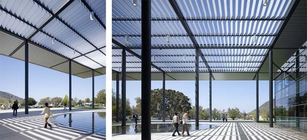 Binanın neredeyse tamamına doğal ışık sağlayan saydam camları