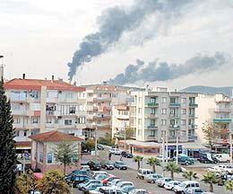 Izmir de hava sıcaklığının düşmesiyle birlikte yakılan soba