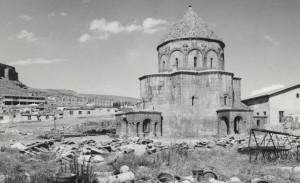 itik-imparatorlugu-resmetmek-italyan-merceginden-anadolu-daki-bizans-sanati-1960-2000-770x470