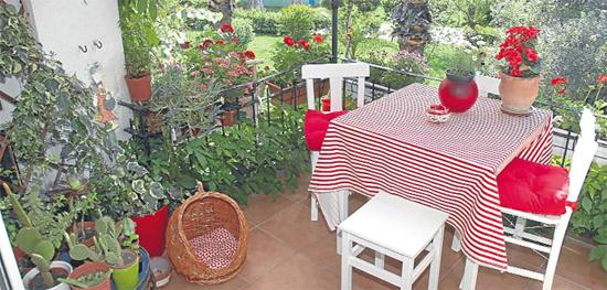 Karşıyaka çiçek festivali bünyesinde en güzel balkon bahçe ve